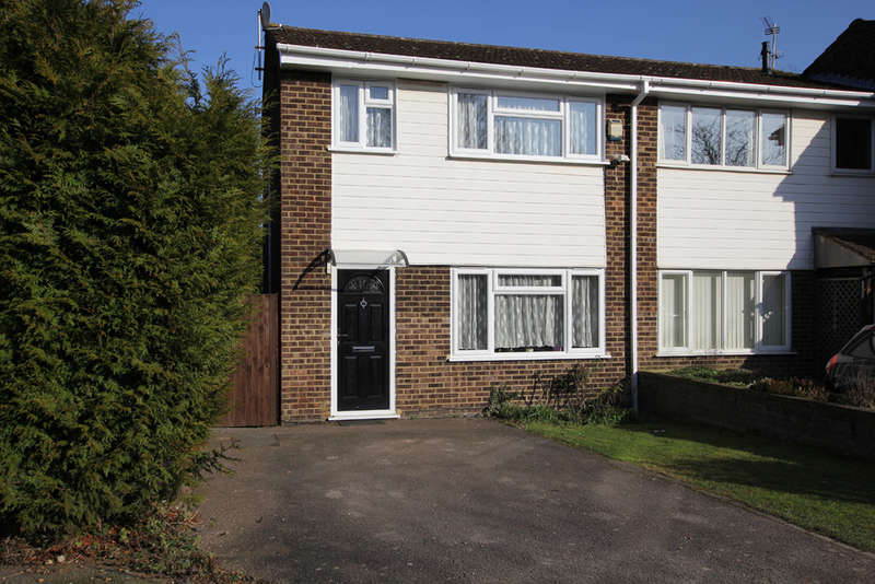 3 Bedrooms End Of Terrace House for sale in Swift Close, Royston