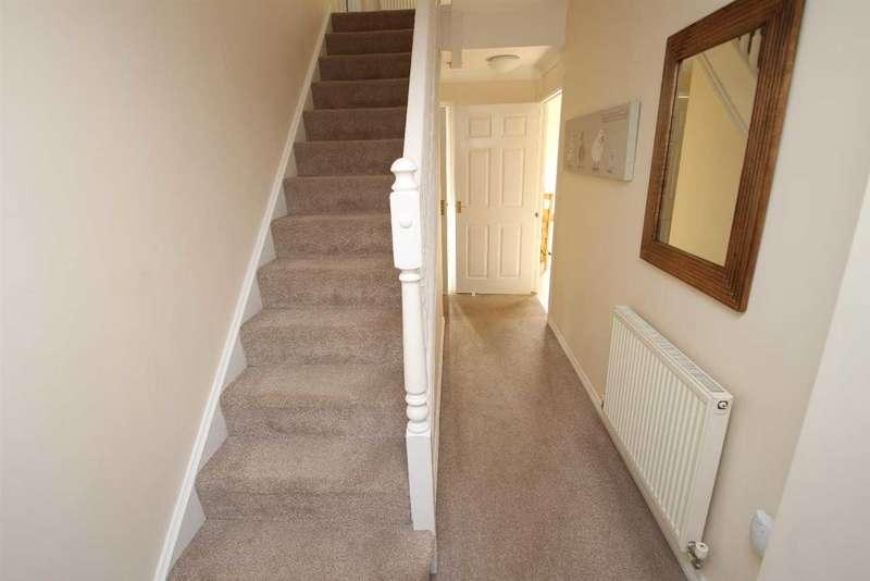 5 Bedrooms Detached House for sale in Tremlett Lane, Grange Farm, Kesgrave, Ipswich