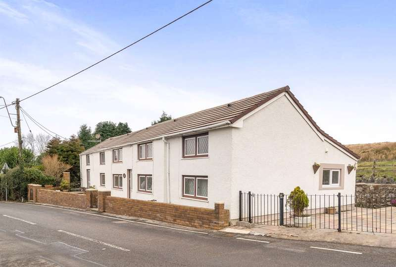 4 Bedrooms Detached House for sale in Mountain Road, Upper Brynamman, Ammanford