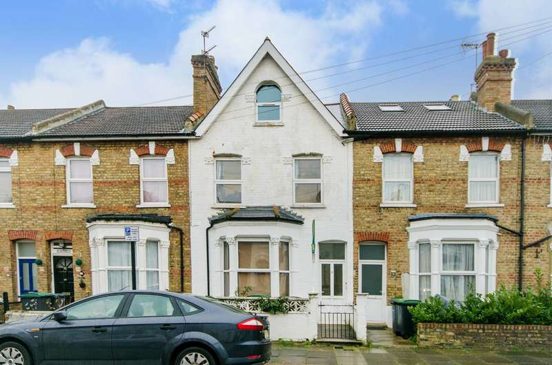 2 Bedrooms Flat for sale in Shropshire Road, Bounds Green, N22
