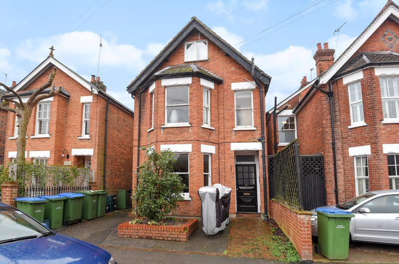 1 Bedroom Flat for sale in Weybridge