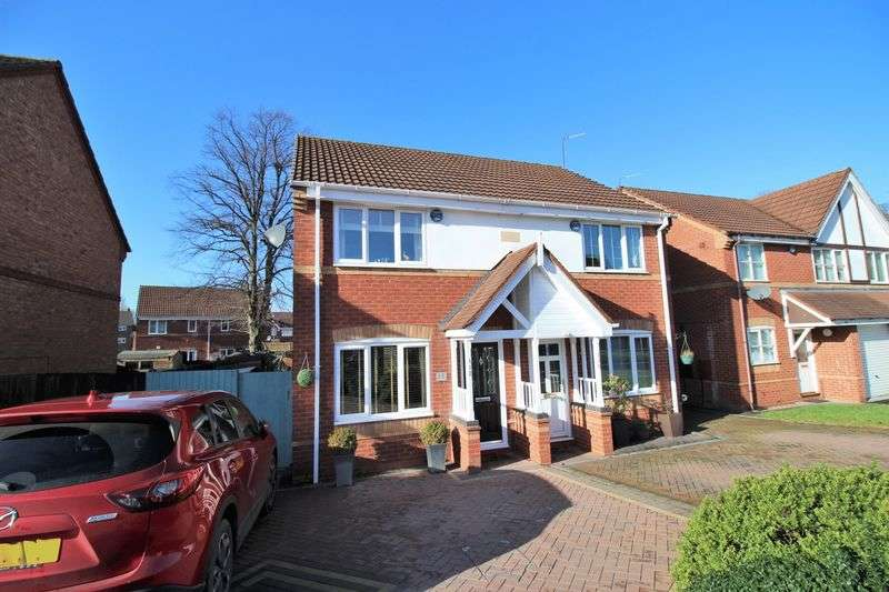 2 Bedrooms Semi Detached House for sale in Hawkswood Drive, Wednesbury