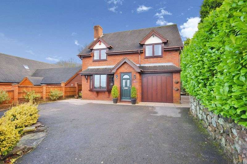 5 Bedrooms Detached House for sale in Greenway Hall Road, Stockton Brook