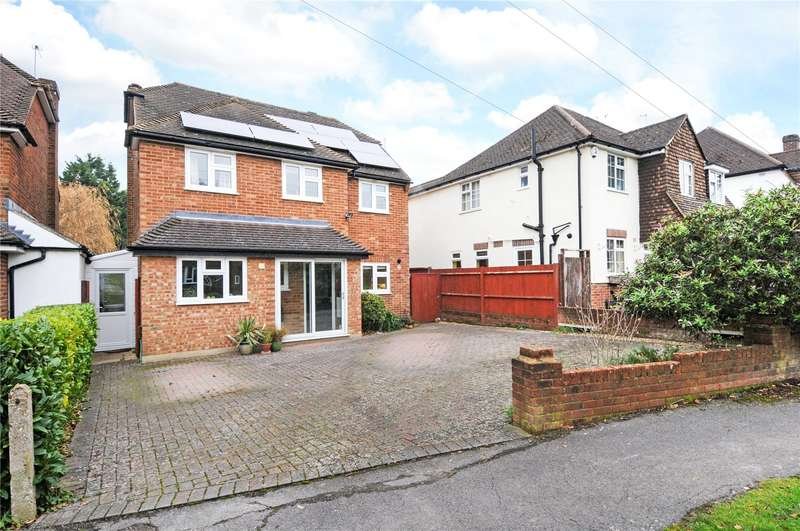 4 Bedrooms Detached House for sale in Hillside Road, Ashtead, Surrey, KT21