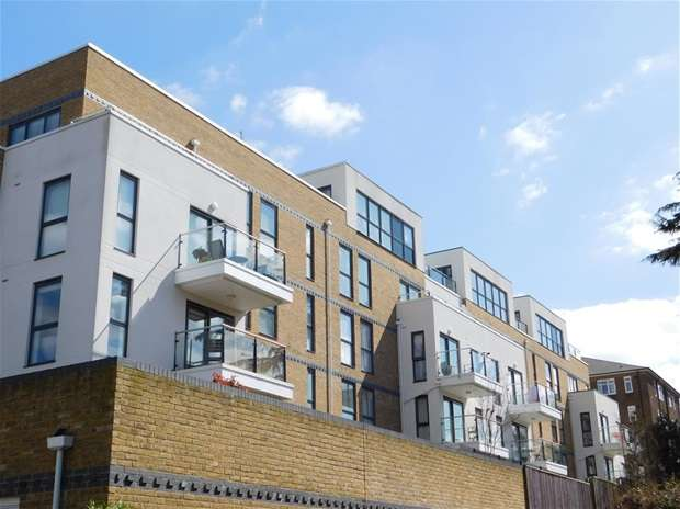 3 Bedrooms Flat for sale in 1 Church Hill Road, Surbiton