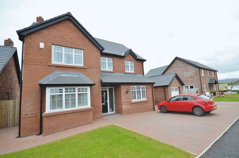 4 Bedrooms Detached House for sale in Keekle Meadows Road, Cleator Moor