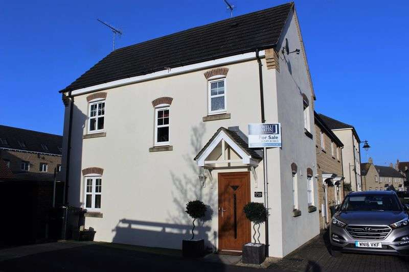 3 Bedrooms Terraced House for sale in Peregrine Court, Calne