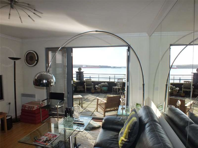 2 Bedrooms Flat for sale in Smoke House Quay, Milford Haven, Pembrokeshire