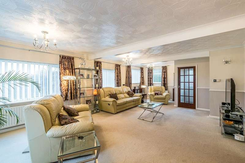 4 Bedrooms Detached House for sale in Broom Hill Road, Rochester, ME2