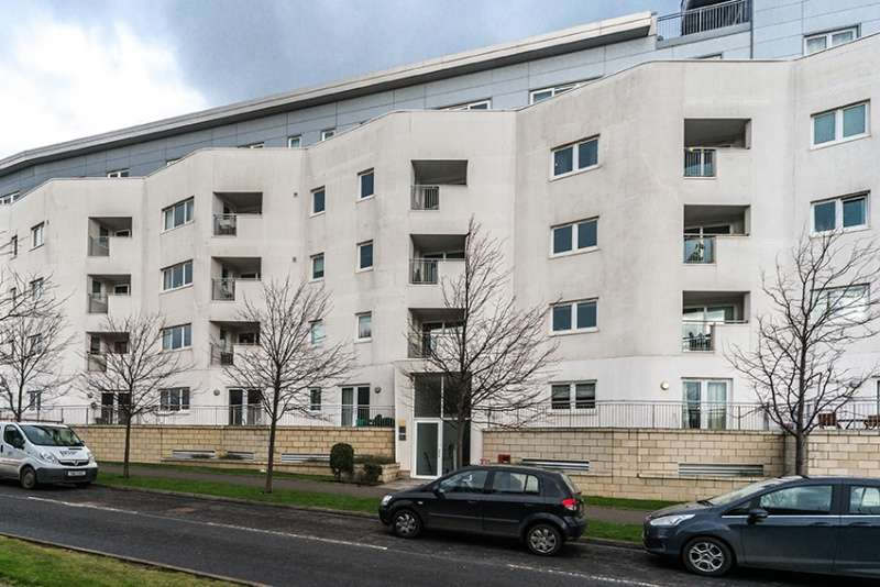 2 Bedrooms Penthouse Flat for sale in Hesperus Crossway, Granton, Edinburgh, EH5 1GH