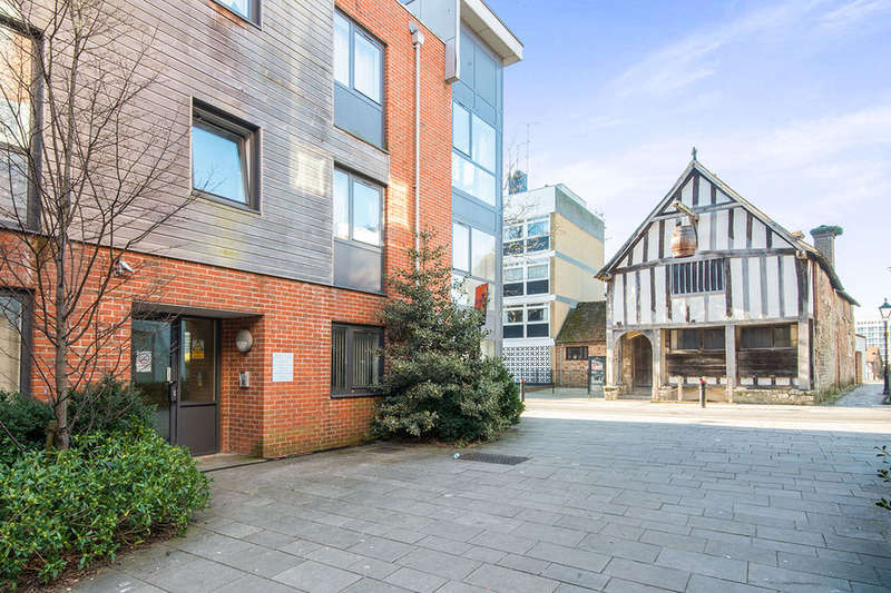 1 Bedroom Flat for sale in Castle Way, SOUTHAMPTON, SO14