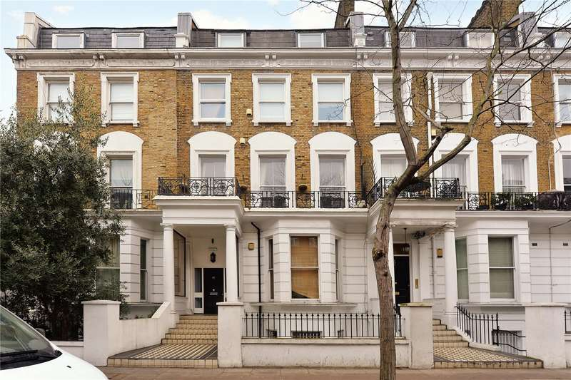 Flat for sale in Earls Court Road, Kensington, London, W8