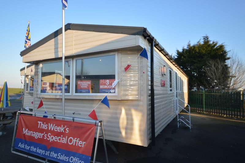 3 Bedrooms Caravan Mobile Home for sale in Seaview Holiday Park, St Johns Road, Whitstable