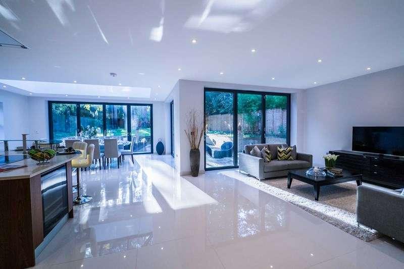 6 Bedrooms Detached House for sale in Mayfield Road, Weybridge
