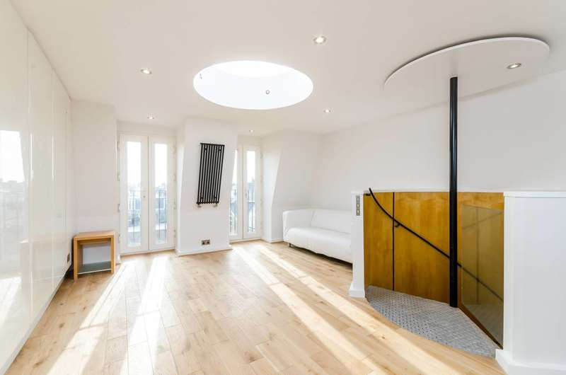 2 Bedrooms Flat for sale in Lillie Road, Fulham, SW6