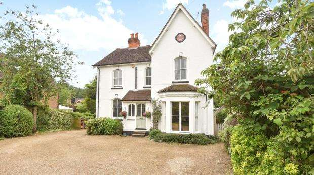 6 Bedrooms Detached House for sale in High Street, Sandhurst, Berkshire