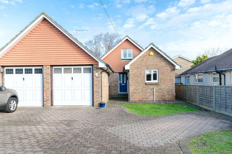 4 Bedrooms Detached House for sale in Kings Road, Lancing, West Sussex, BN15