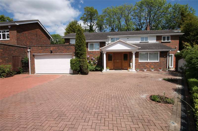 4 Bedrooms Detached House for sale in Hive Close, Bushey Heath, Hertfordshire, WD23