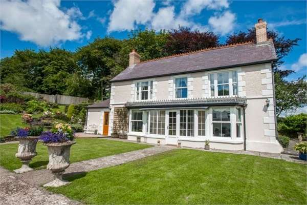 5 Bedrooms Detached House for sale in Trelech, Carmarthen