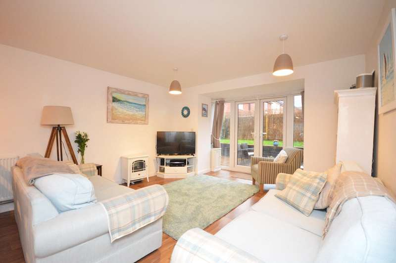 4 Bedrooms Semi Detached House for sale in Hillside Gardens, Westclyst, Exeter
