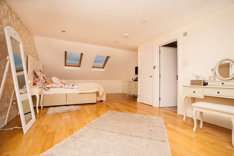 4 Bedrooms Terraced House for sale in Haycroft Gardens, Willesden Junction NW10