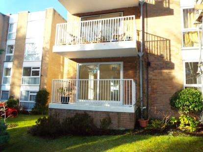 2 Bedrooms Flat for sale in 20 St. Winifreds Road, Bournemouth, Dorset