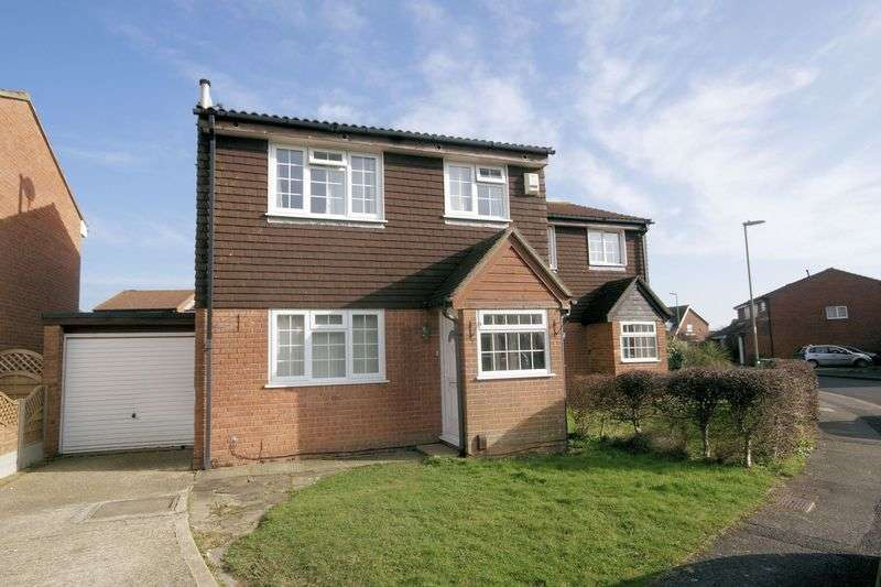3 Bedrooms Semi Detached House for sale in Victory Road, Stubbington, PO14