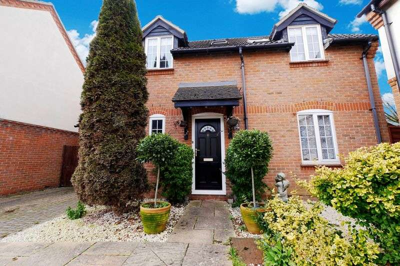 3 Bedrooms Detached House for sale in BENSON