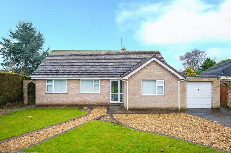 3 Bedrooms Detached Bungalow for sale in Langton Close, Horncastle