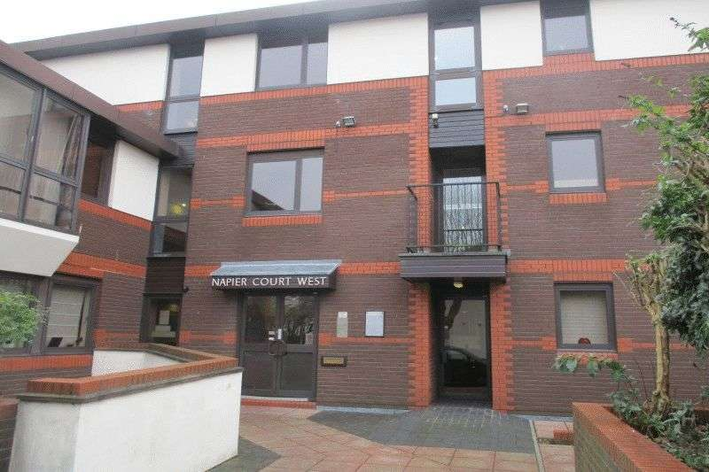 1 Bedroom Flat for sale in Gordon Place, Southend-on-Sea