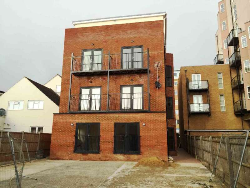 1 Bedroom Flat for sale in High Street, Slough