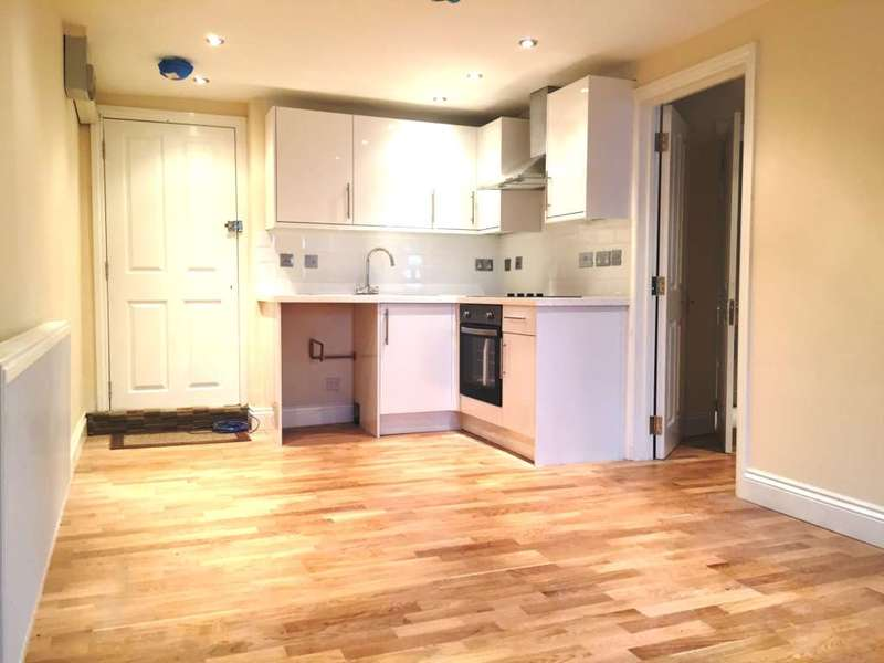 1 Bedroom Flat for sale in Upper Richmond Road West, London