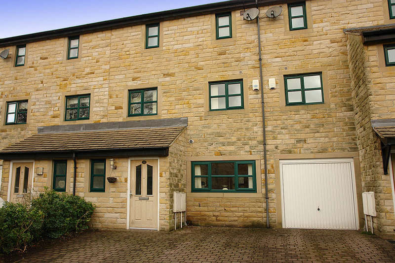 3 Bedrooms Town House for sale in Hopkinson Close, Uppermill, Saddleworth