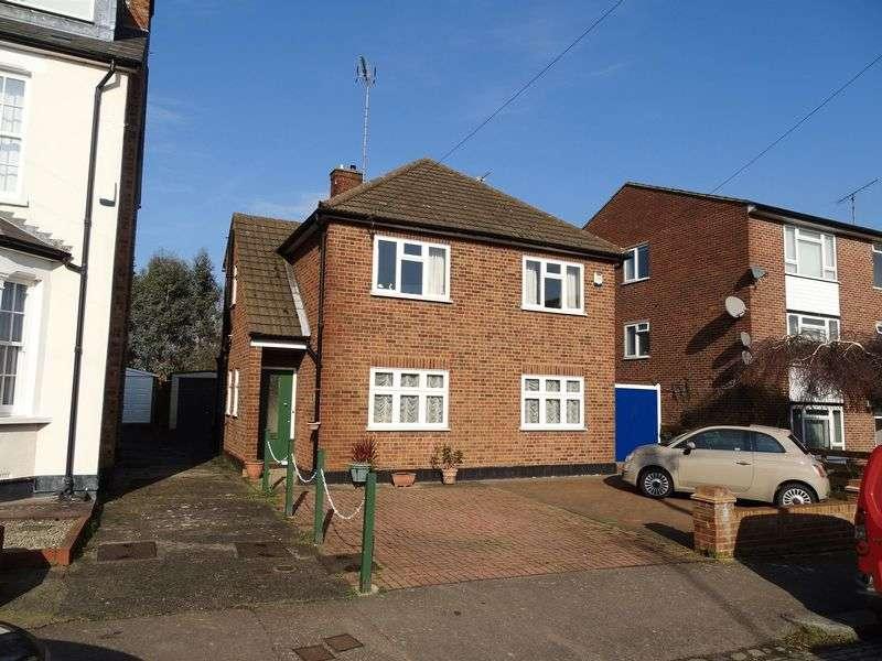 2 Bedrooms Flat for sale in Bulwer Road, Barnet