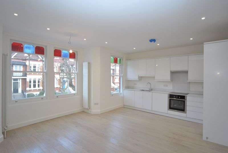 2 Bedrooms Flat for sale in Mountview Road, N4