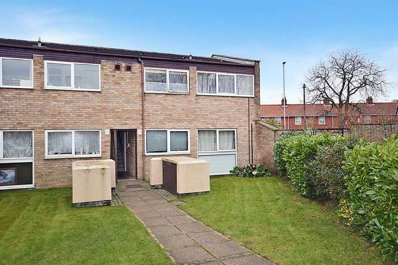 2 Bedrooms Flat for sale in White House Court, Norwich