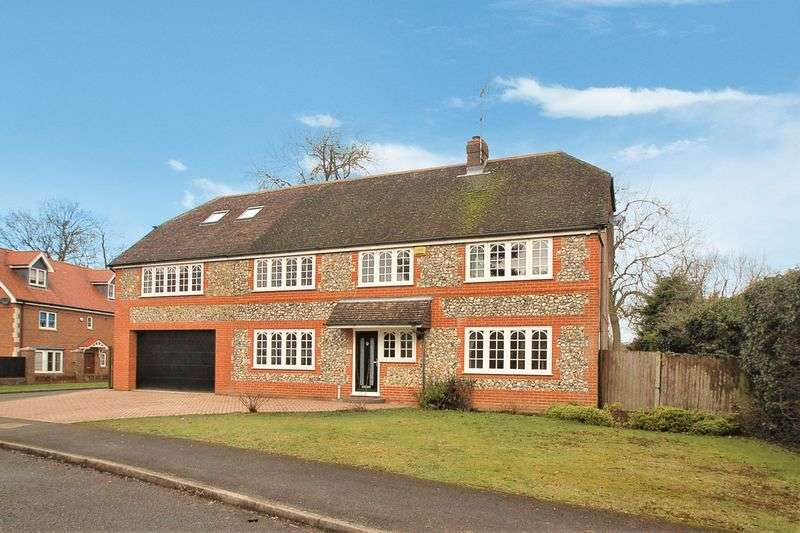 5 Bedrooms Detached House for sale in Hazlemere