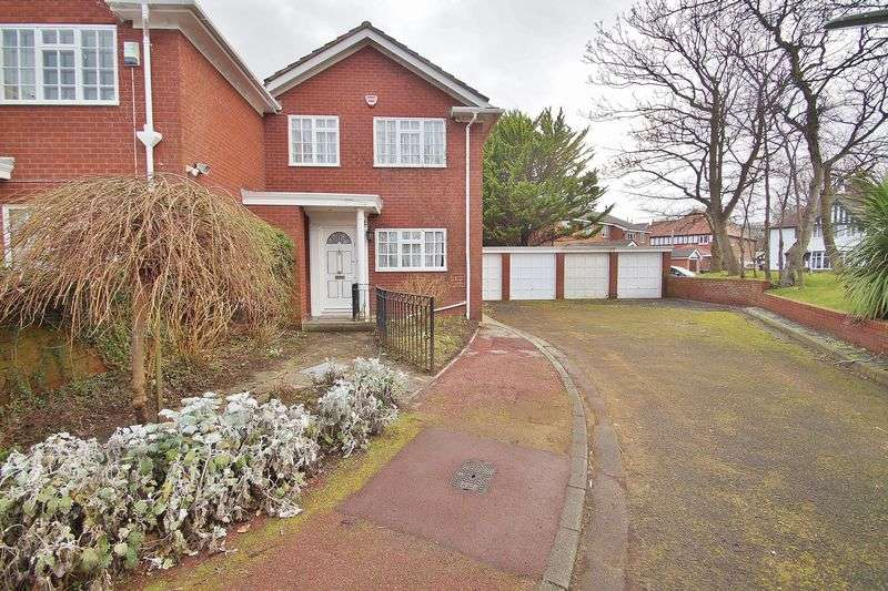 3 Bedrooms Semi Detached House for sale in Beach Priory Gardens, Southport