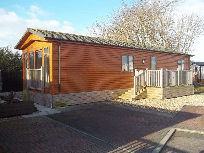 2 Bedrooms Bungalow for sale in 212a Flamingo Drive, Willowgrove Park, Sandy Lane, Preesall, Knott End, Lancashire, FY6 0RB
