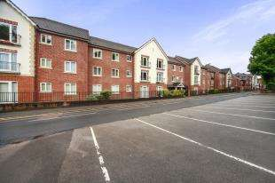 1 Bedroom Retirement Property for sale in Pegasus Court, Stafford Road, Caterham, Surrey