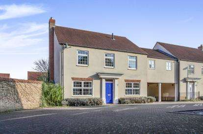 4 Bedrooms Link Detached House for sale in Ely, Cambridgeshire, Ely