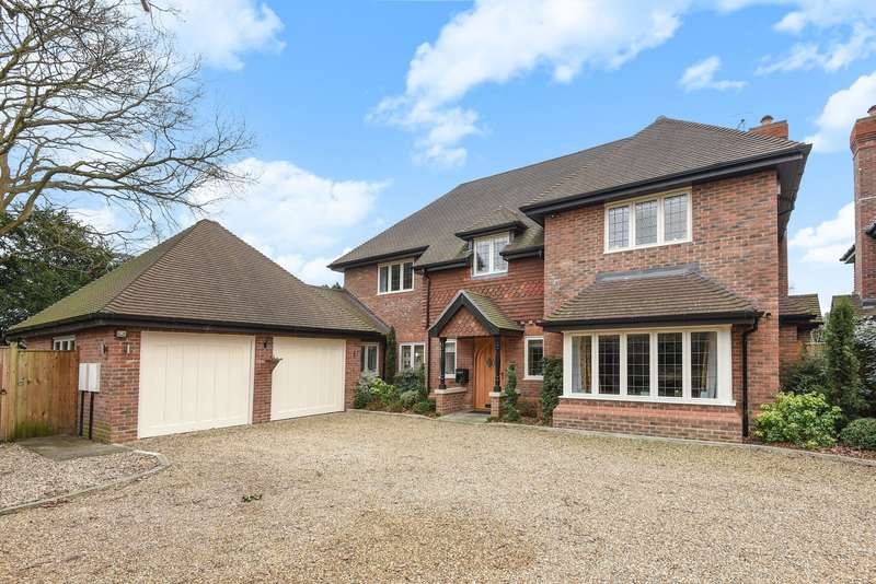 5 Bedrooms Detached House for sale in Woking