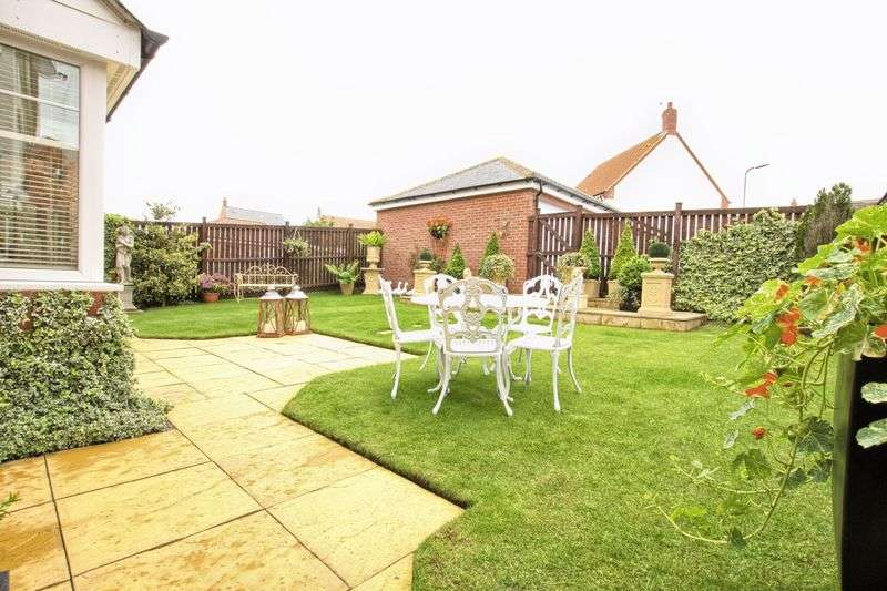 6 Bedrooms Detached House for sale in Lullingstone Crescent, Ingleby Barwick