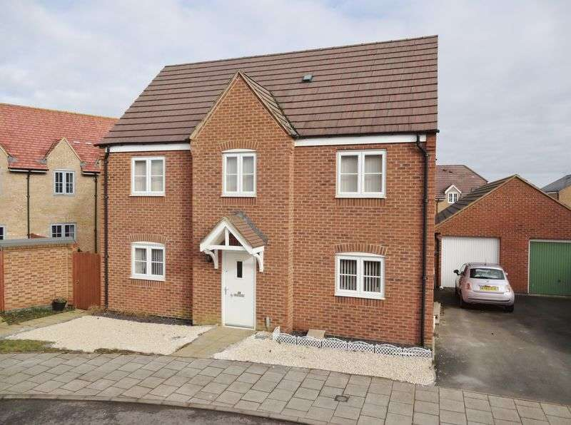 4 Bedrooms Detached House for sale in Rushton Mews, Priors Hall Park