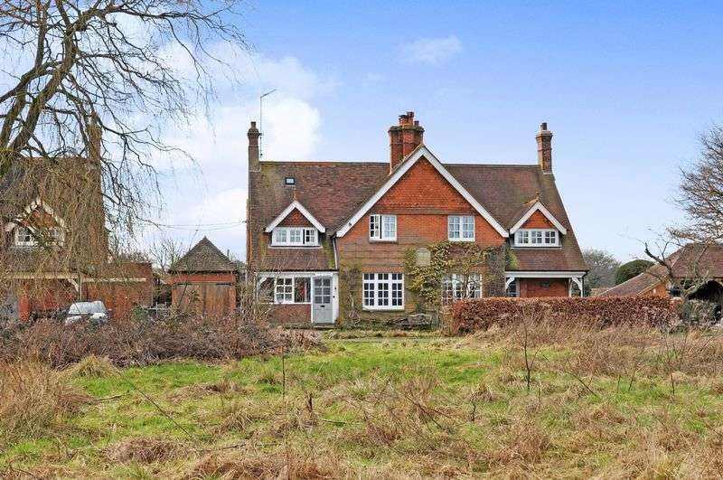 4 Bedrooms Semi Detached House for sale in Misbrooks Green, Capel