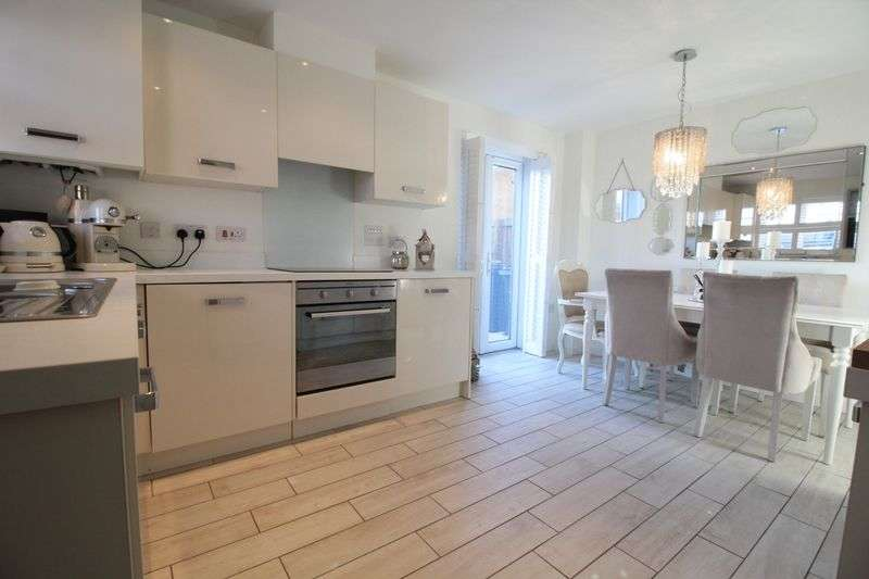 3 Bedrooms Detached House for sale in The Wynde, South Shields