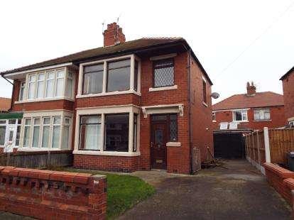 3 Bedrooms Semi Detached House for sale in Cambridge Road, Fleetwood, FY7