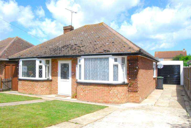 3 Bedrooms Detached Bungalow for sale in Hunters Forstal Road, Broomfield, Herne Bay