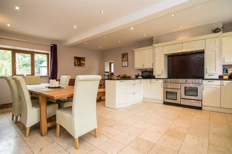 5 Bedrooms Detached House for sale in St. Andrews Major, Dinas Powys, Dinas Powys
