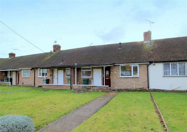 1 Bedroom Terraced Bungalow for sale in Knightsbridge Crescent, Staines-upon-Thames, Surrey